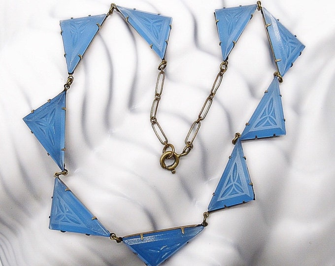 Vintage Art Deco 1920s Blue Matte Czech Glass triangle brass tone choker necklace Gorgeous !