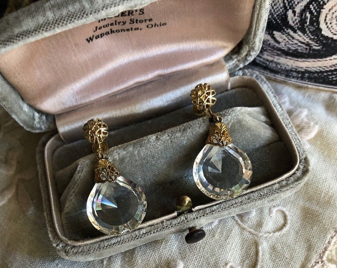 Dazzling vintage 1930s gold filled Filigree faceted Glass drop accented unsigned ornate Screw Back Dangle Earrings
