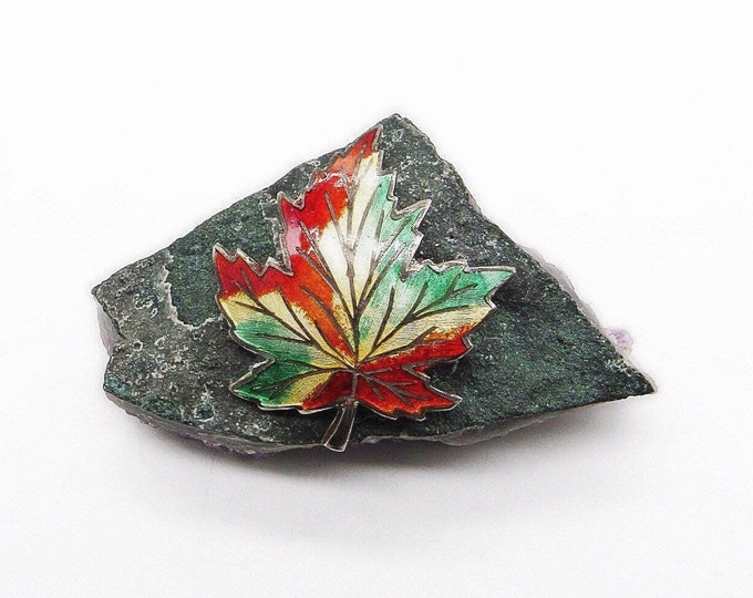 Vintage Amco Sterling Silver beautifully Enameled signed Maple Leaf brooch