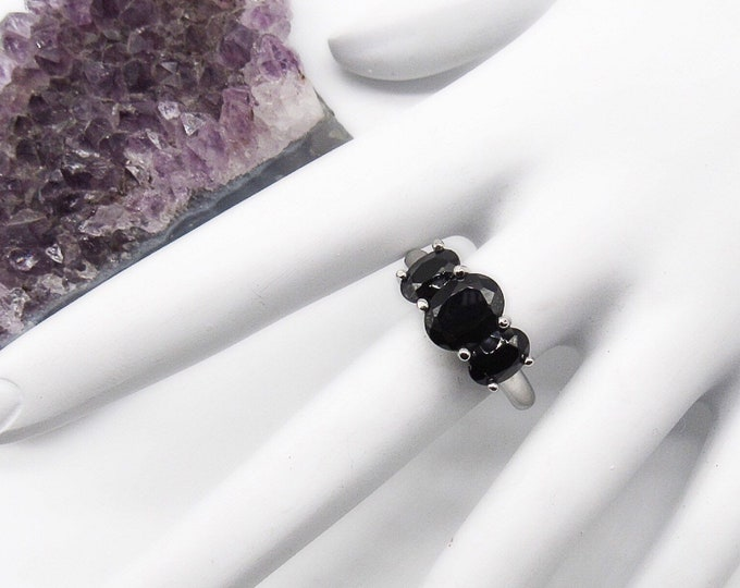 Vintage sterling silver three Onyx stone siged statement ring