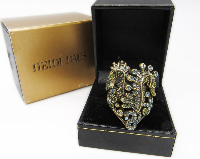 Heidi Daus retired antiqued brass Swarovski Crystal encrusted Seahorse statement ring with original box!