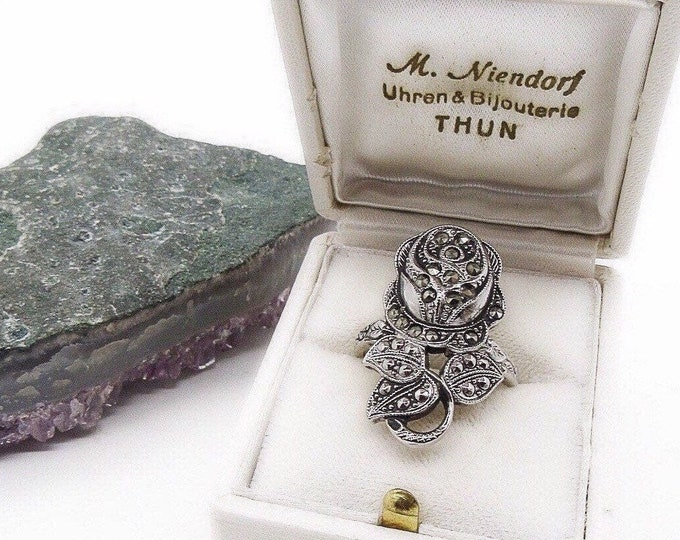 Vintage 1940s Sterling Silver faceted Marcasite Rose Motif signed size 8 statement ring