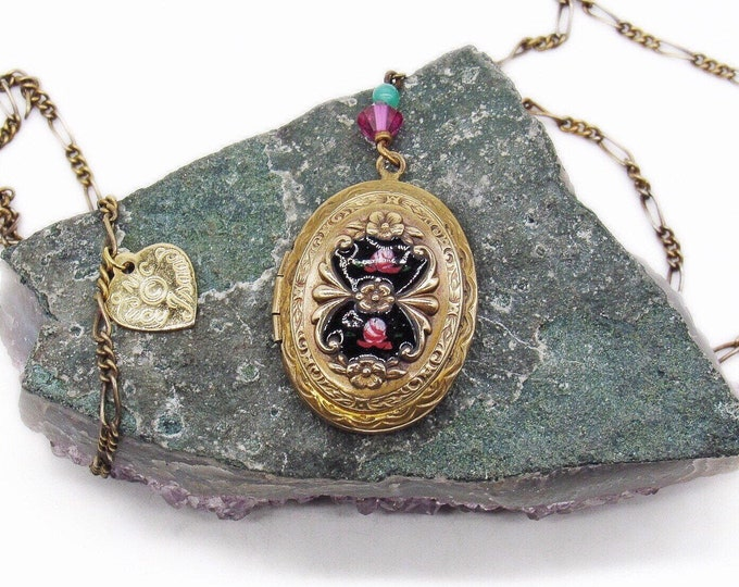 Vintage Lucy Isaacs 1970s Victorian Revival Gold Plated decorative hand painted Jet Black Floral signed Locket Pendant Necklace