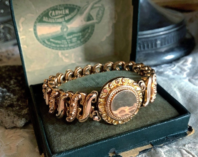 Vintage D.F. Briggs Co. Gold filled Carmen WWII Sweetheart expandable Bracelet in original Box ready to Monogram