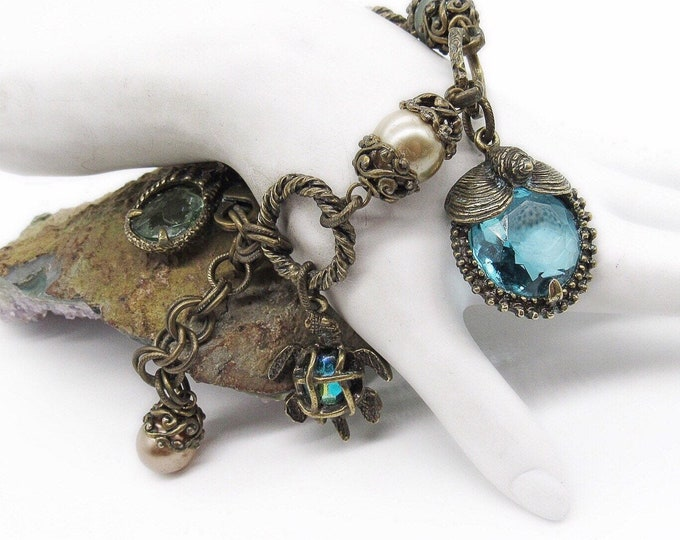 Vintage Sweet Romance USA Retro antiqued bronze faceted Crystal Seashell signed statement Charm bracelet