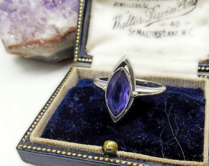 Elegant vintage Estate 10k White Gold genuine faceted Amethyst Marquee solitaire accented signed size 8 statement Ring