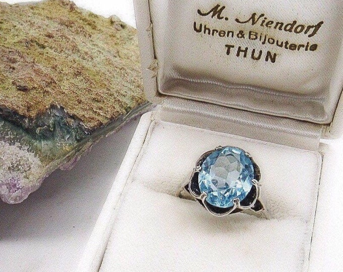 Vintage Sarah Coventry decorative Sterling Silver faceted Topaz blue Crystal signed scalloped statement ring