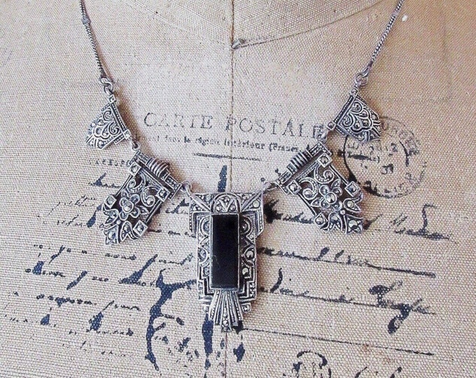 Gorgeous vintage Art Deco Revival Sterling Silver genuine Onyx Marcasite accented signed Bib Necklace