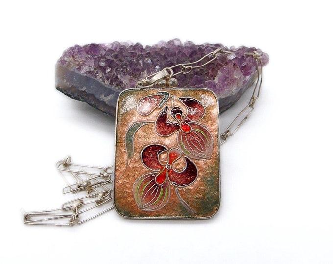 Vintage Arts and Crafts 800 silver floral Cloisonné enamel paper clip chain signed pendant necklace