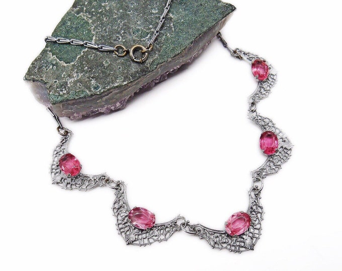 Vintage Art Deco 1930s Rhodium plated delicate filigree faceted Pink Crystal decorative Choker Necklace