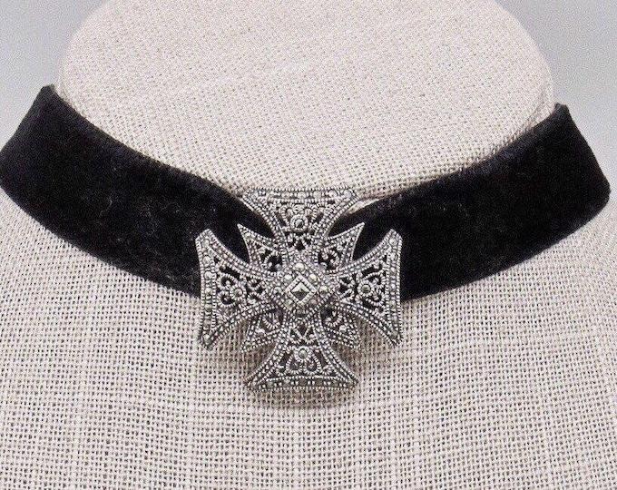Judith Jack vintage 1990s Sterling Silver Marcasite slide Medallion Black Velvet signed designer choker necklace