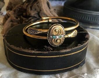 Pristine antique Bates & Bacon Victorian 12K Gold Fill ornate Jet Enamel Work faceted Paste Stone accented Forget Me Not Clasper Bracelet
