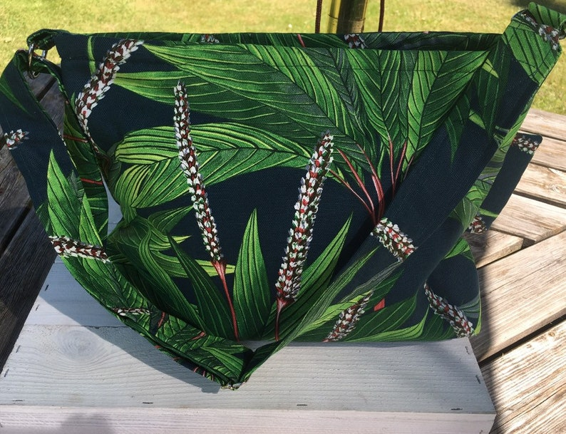 Green Shoulder bag/ presents for you/Thats So You/ UK image 1