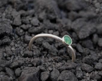 Handmade 4mm Green Aventurine ring, sterling silver stacking ring, natural gemstone ring, hammered ring, green ring