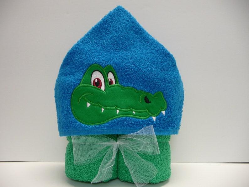 Alligator Hooded Towel Beach Towel Kid/'s Gift Pool Towel -Bath Towel Embroidered Towel Kid/'s Hooded Towel Animal Hooded Towel
