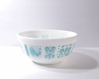 Vintage Pyrex White Amish Butterprint Mixing Bowl