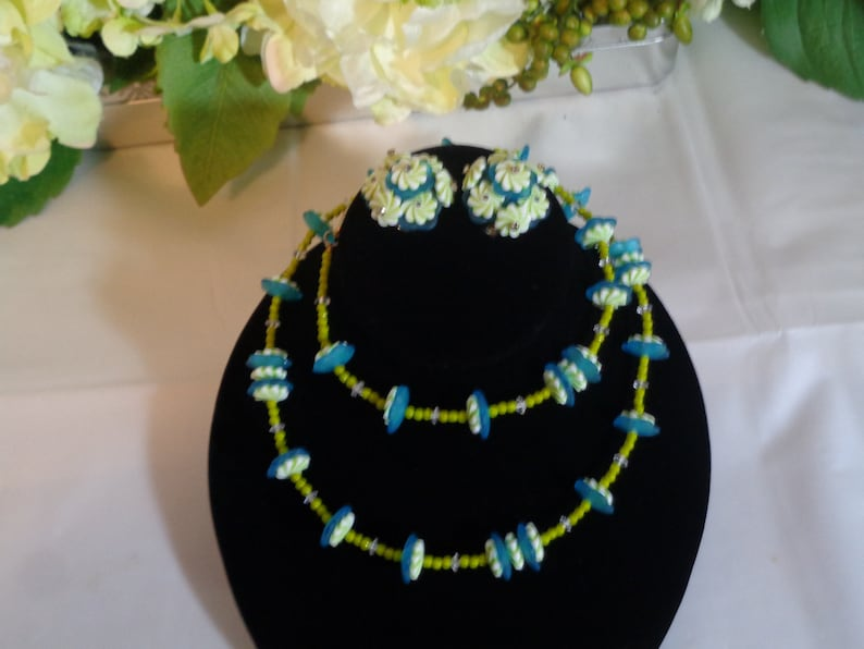Jonne House of Schrager Green White Hard Plastic Lucite Celluloid Necklace and Matching Clip on Earrings