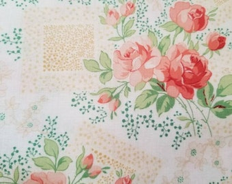 Rose bouquet fabric - Violet's  Garden collection by Mary Jane Carey for Henry Glass - Q 2405 33 cream - Priced by the 1/2 yard