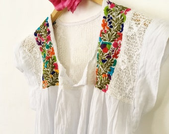 694e07390b43 Mexican embroidered Top, size S,M,L,XL,XXL, Blouse Oaxaca, mexican tops for  women, Mexican Embroidery Blouse, Mexican Clothing