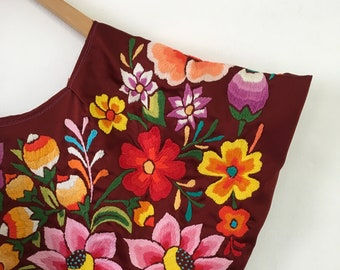 Beautiful Oaxacan huipil embroidered, traditional blouse tehuantepec,  style frida Kahlo
