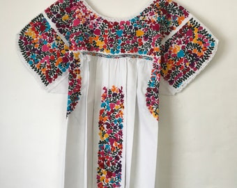 6e9c33d7a5327 Mexican Embroidered dress size L/XL, San Antonino, Oaxaca, 100% cotton,  splendid, abundant embroidery, for lovers of bohemian, ethnic style