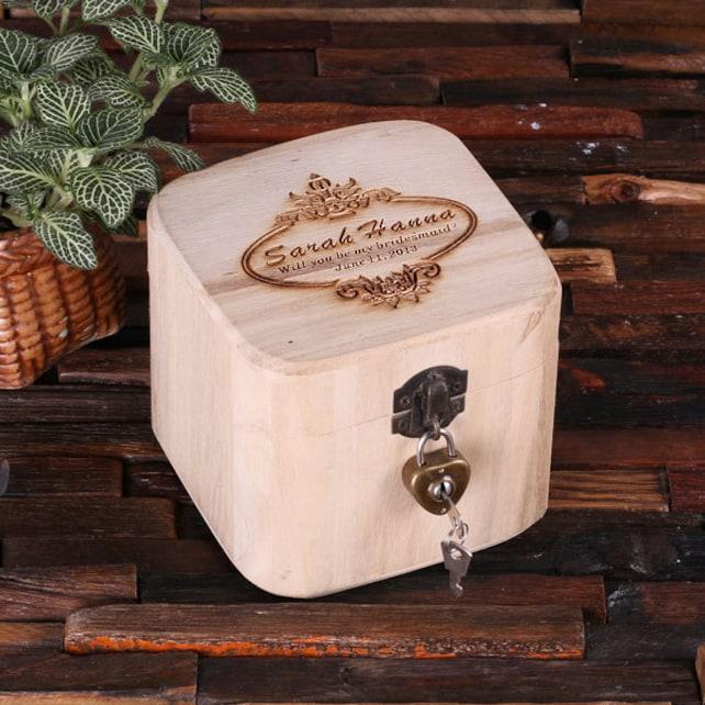 Set of 8 Personalized Wood Vintage Wedding Bridesmaids Gift Treasure Trunk Box Jewlery Box Monogrammed Customized Engraving (024585)