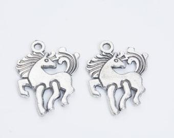 6 Horse charms tibetan silver A588