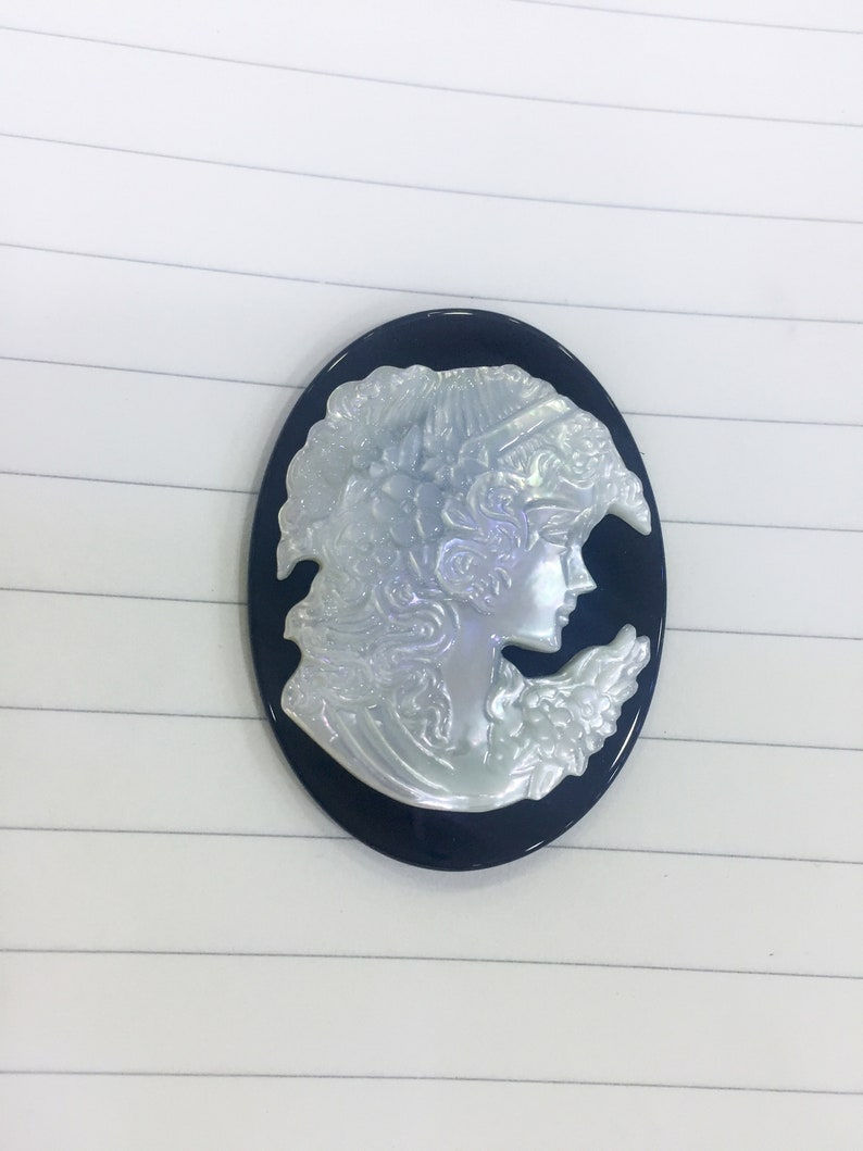 black onyx base cameo cabochon white MOP shell cameo pendant Victorian style cameo for jewelry black and white cameos