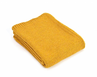 Yellow throw blanket  21ce2dd9e