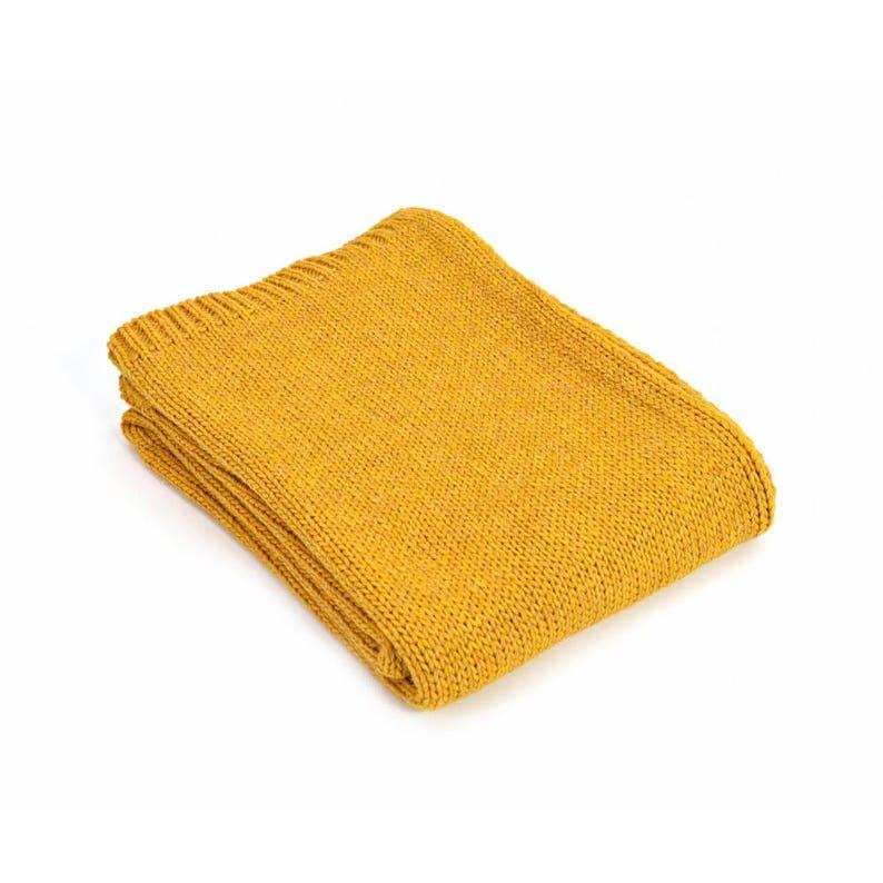 f43e501ba90 Couverture de jet jaune laine dalpaga jeté de canapé jeté