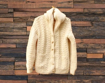 Vintage knit sweater  7d5472292
