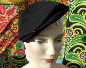 Sassy 1940s Vintage Pinch Brim Hat. Black Wool Felt 'New Look' Tilt or Straight. Glenover Henry Pollack Inc NY. Rhinestone Accents. sz22. 2