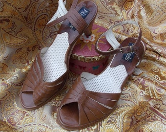 70s Vintage Slingback Sandal Pump. Retro Brown Leather Shoes. NICKELS Made Italy. Collectible Footwear by Golo. Orig Box. US sz 7 EUR 5 1/2