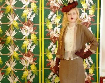 Fabulous Fifties Women's Suit. Milk Chocolate Heathered Wool. Cafe Latte Trim. Sleek 50s Pencil Skirt. Chic Vintage. Lovely Detailing. sz