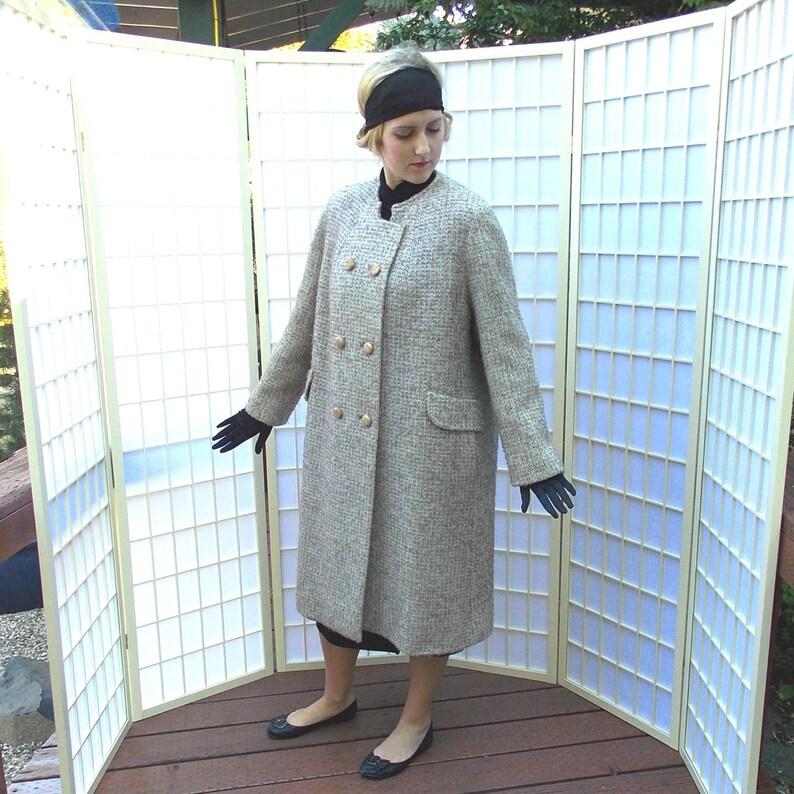 Vintage 60 s Mod style Poodle Cloth Coat . Nubby Woven Cream  a74cdf70d203