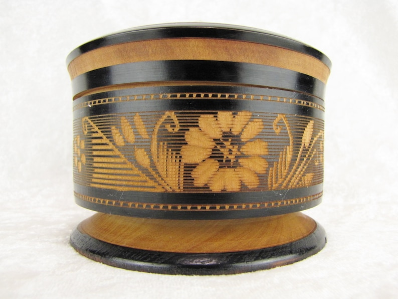 Rustic Wooden Stash Box Wood Ring Box Hand Carved Small Wooden Jewelry Box Vintage Wood Trinket Box For Rings or Pins With Lid