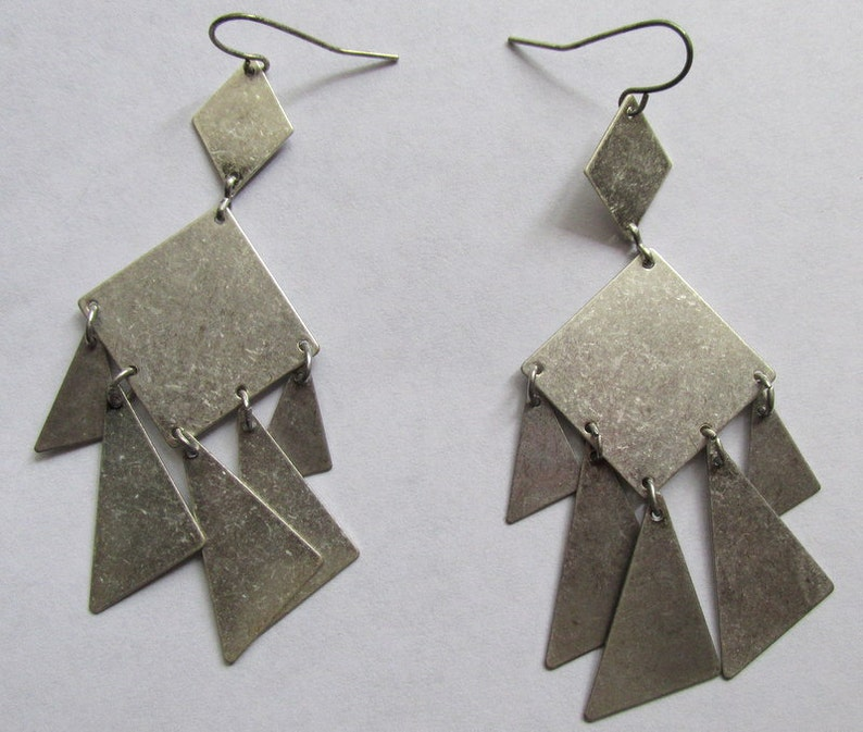 Distressed look distressed silver plated gypsy charm triagles earrings