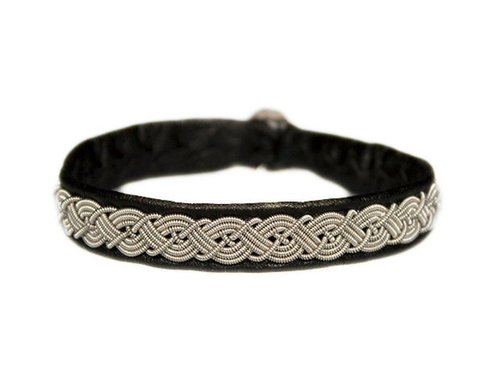 No. 1009: Pewter bracelet
