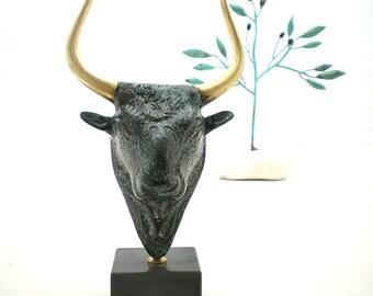 Minoan Bronze Bull , Greek Mythology Animal , Metal Sculpture
