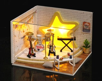 1:32 DIY Miniature Dollhouse Kit Scenery Dream Catcher Music Band on Stage with Light Craft in a Box Adult Craft Model Making Gift Decor