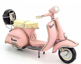 1/8 Retro Style Miniature Pink 1955 Vespa Motorcycle with Spare Tire Hand Made Toy for Blythe  BJD Doll Prop Decor Gift for Girl