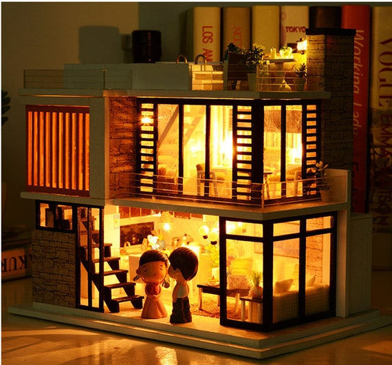 1: 24 DIY Miniature Dollhouse Kit Modern House in Florence with Swimming  Pool with Light and Music Box