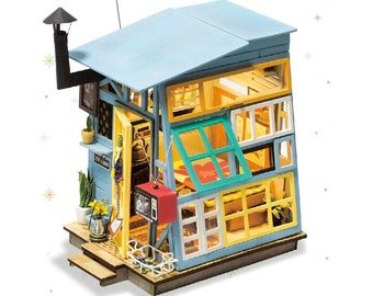 1: 24 Miniature Dollhouse DIY Kit Wooden Hut with Light Handcraft Project Model Mini House Blue Wood Cabin Gift Home Decor Robotime