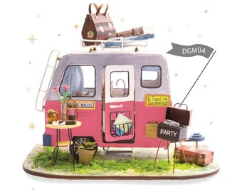 1: 24 Miniature Dollhouse DIY Kit Happy Camper with Light Handcraft Project Model RV Travelling Van Gift Home Decor Scene Robotime