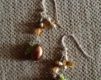 Pearl carnelian citrine peridot dangle silver earrings: for summer, dinner and August birthdays