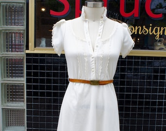Lovely Vintage White Dress with Lace