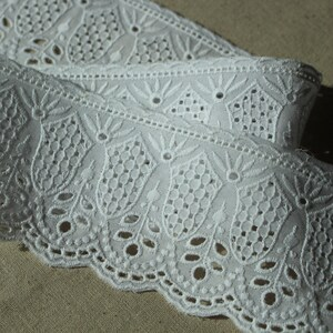 12.7cm SH38 laceking2013 5 14Yds Broderie anglaise cotton lace trim Off-White