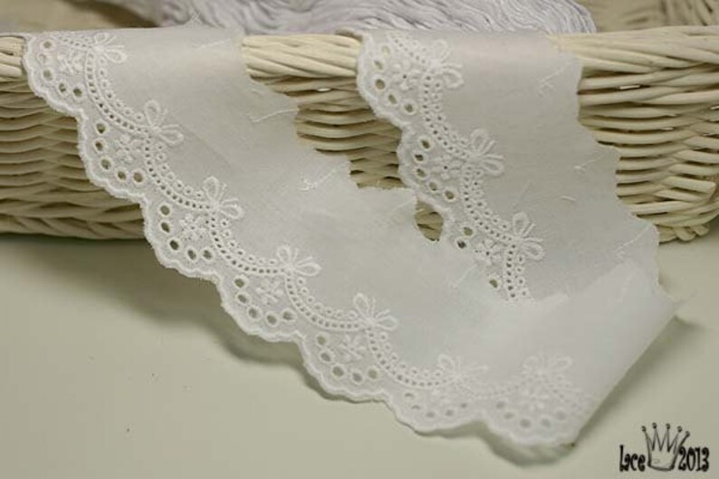 "14Yds Broderie Anglaise eyelet lace trim 0.7/"" ivory YH875 laceking2013"