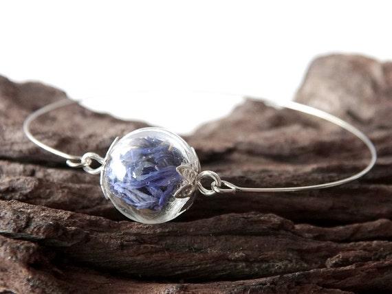 Echte Blüten Armreif, Armband, Blütenblätter, blaue Kornblumen, Glaskugel, Blumen, Blüten