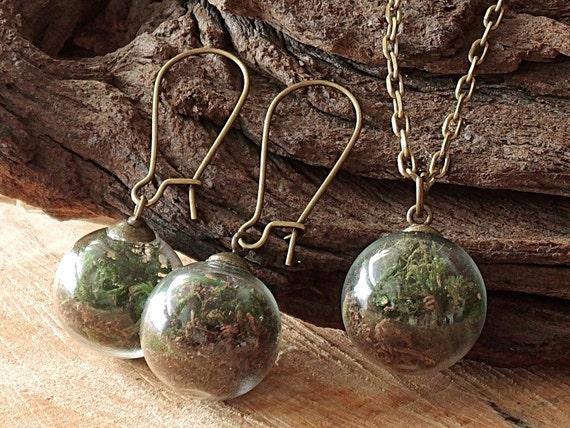 Erde und Moos Set, Kette und Ohrringe, Glaskugel, echte Blüten, Schmuckset, Terrarium